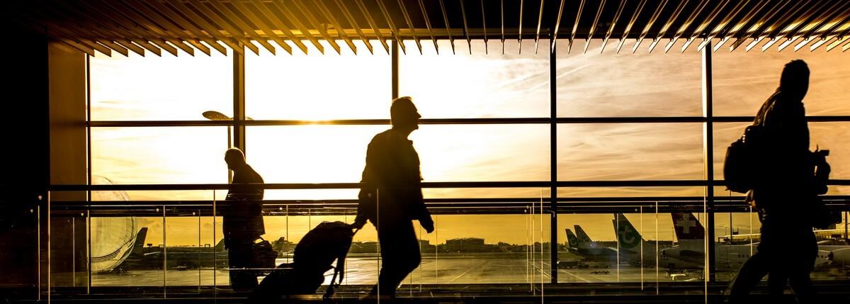 Luchthaven Aéroport Air France: een vliegreis maken.Frans gesprek uitspraak Frans, vliegveld Frans, Luchthaven Aéroport Air France: inchecken op het vliegveld in het Frans, vliegreis gesprek, Frans vliegveld