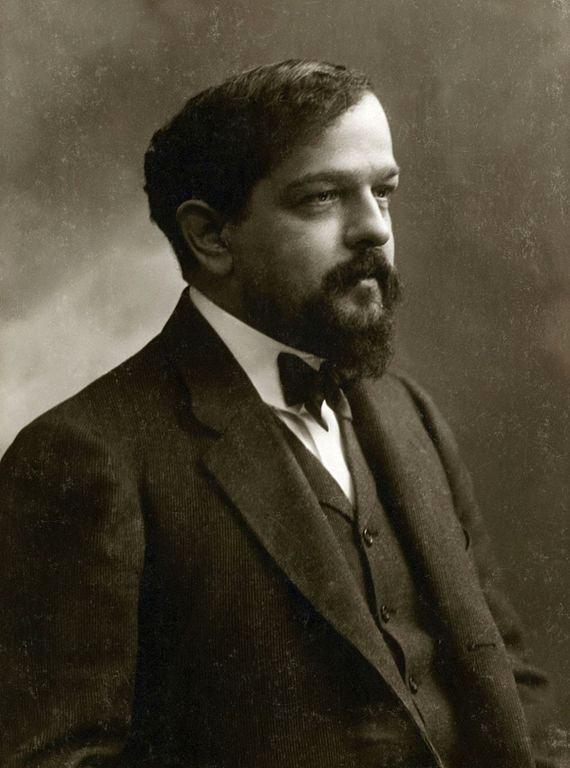 Claude Debussy. Monsieur Croche, antidilettante. Frans leren, Vivienne  Stringa. Claude Debussy ( né le 22 août 1862 à Saint-Germain-en-Laye et mort le 25 mars 1918 à Paris.). Photographie : Paul Nadar en 1909