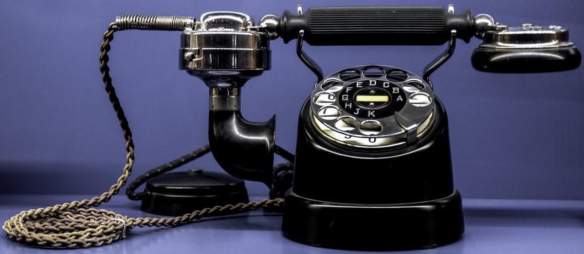 Een Frans telefoongesprek, Franse uitspraak bij telefoneren in het Frans, telefoneren in het Frans, voorbeeld Frans telefoongesprek