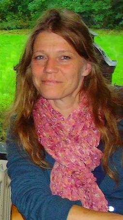 Wie ben ik  ? Bijles Frans, Franse grammatica, vertalingen F-N N-F, vertaler Frans, Vraag en antwoord, uitleg over het Frans, Frans leren, Vivienne Stringa